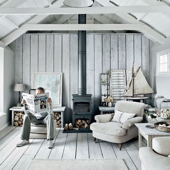 Living-room-decorating-ideas-nautical-wall-décor-beach-theme-décor