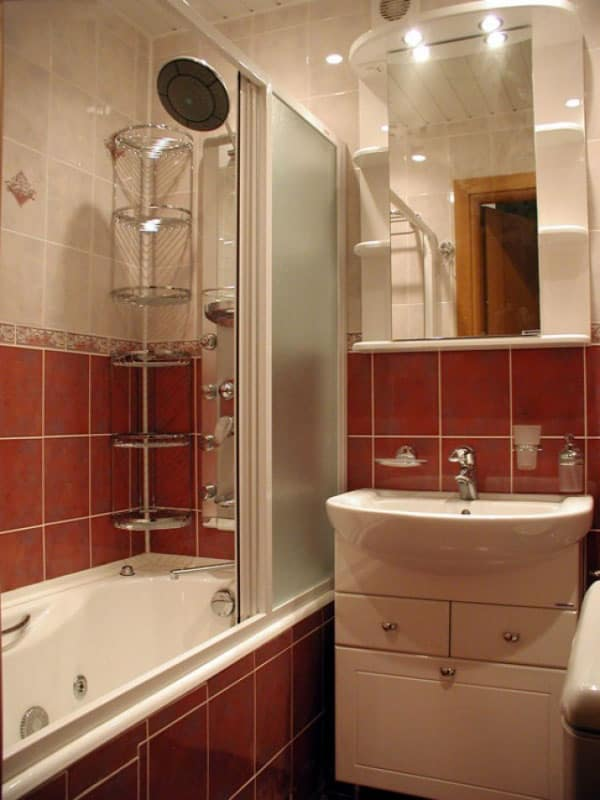 Plumbing-fixtures-and-sanitary-ware-in-small-bathroom-5