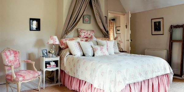 Shabby-chic-bedroom- shabby-chic-home-décor- shabby-chic-bedroom-ideas-7