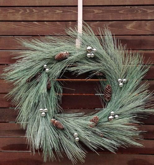 Christmas-decoration-ideas-2017- Christmas-ornaments- xmas-decorations-from-spruce-branches