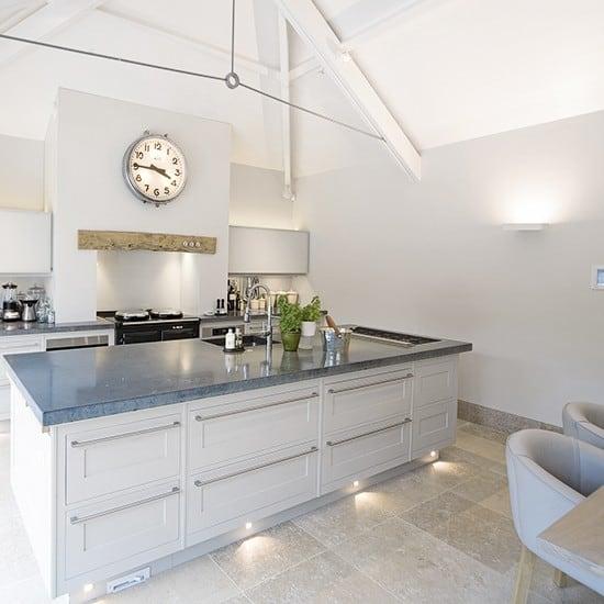 Kitchen-lighting-ideas-and-modern-kitchen-lighting-1