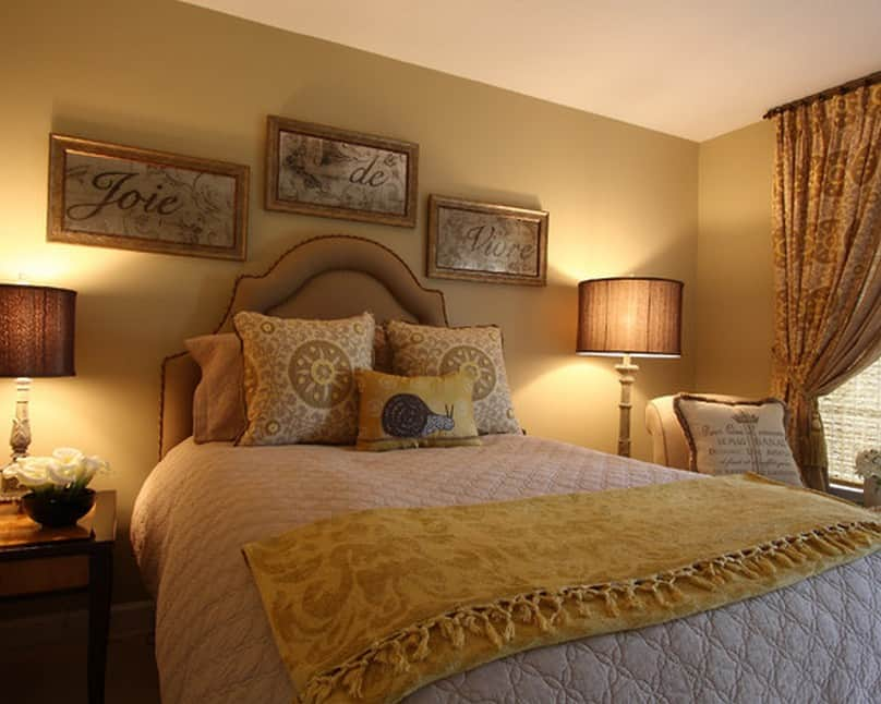 Bedroom decorating ideas french style bedroom for Bedroom picture ideas