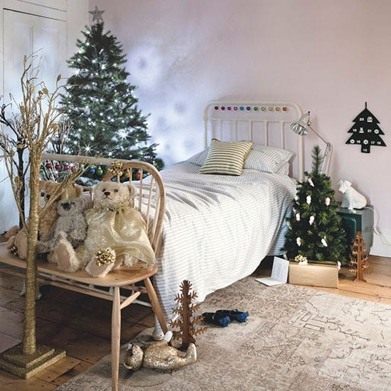 christmas-decoration-ideas-how-originally-decorate-house-modern-christmas-decor-10
