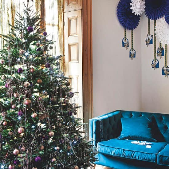 christmas-decoration-ideas-how-originally-decorate-house-modern-christmas-decor-7