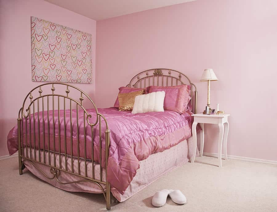 Pink bedroom ideas house interior for Four bedroom design