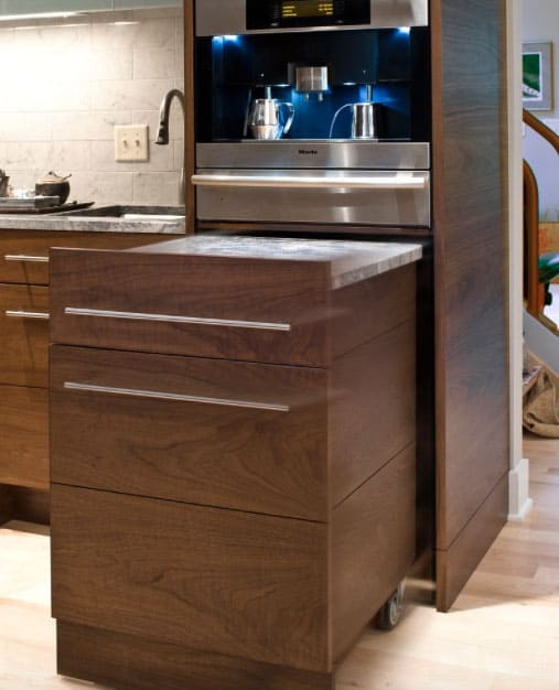 small-kitchen-how-to-visually-enlarge-space-kitchen-decorating-ideas-kitchen-remodel-5