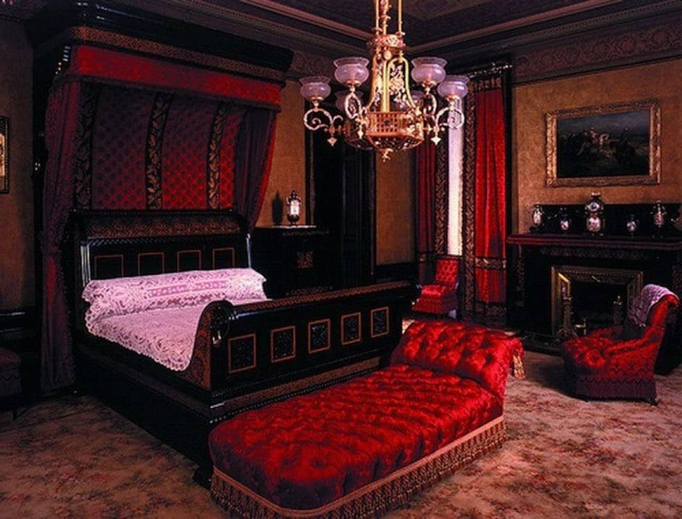 Bedroom decor ideas gothic bedroom for Red and black themed living room