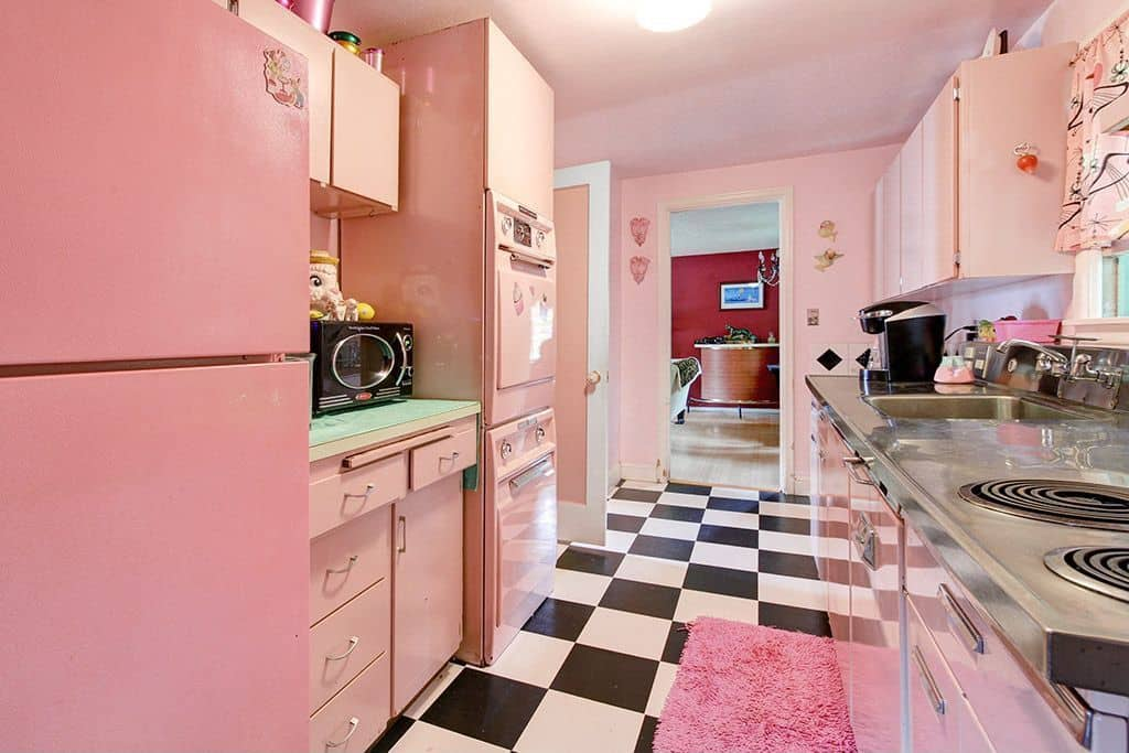 Interior-design-trends-2017-Pink-kitchen-modern-kitchen-design-kitchen-decor-ideas