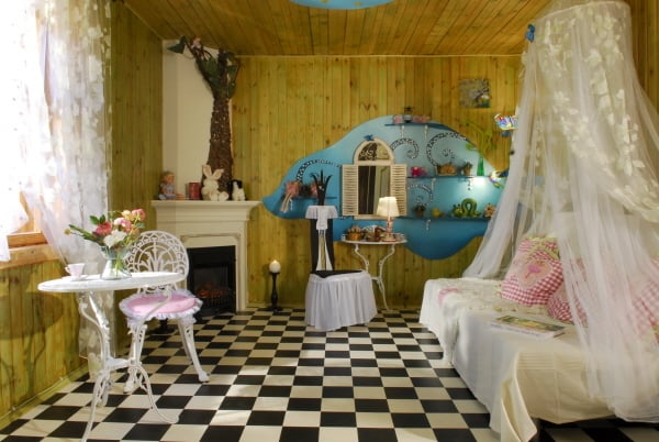 Interior design 2017 alice in wonderland decor