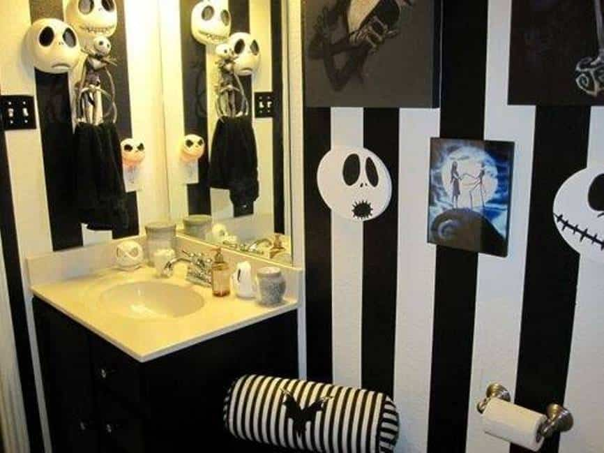 Home decor trends 2017 gothic bathroom for Gothic bathroom ideas